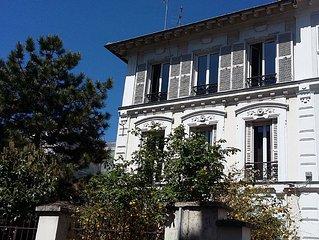 Duplex calme et ensoleille situe a 100 metres du bois de Vincennes