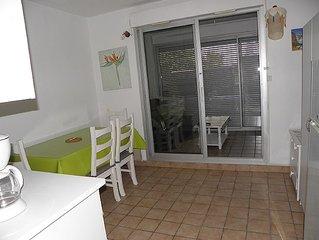 LA CIOTAT, T2 meuble proche plage (50metres), parking
