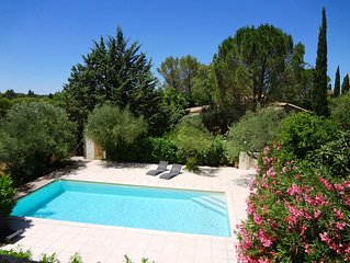 Very quiet, piscine10X5, design 70m², 2 bedrooms, private terrace., Parking, ai