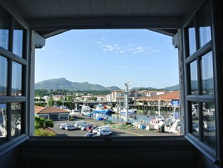 Charming apartment overlooking the port of St Jean de Luz and the mountains
