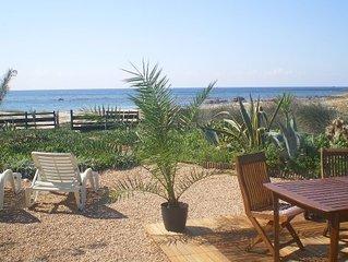 Maison villa Cargèse- bord de mer- pieds dans l'eau- Corse du sud