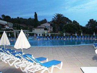 Jolie App St Tropez bay view, pool, beach 300 met