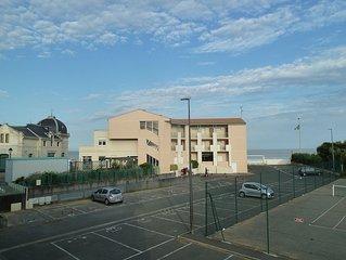 Appartement bord de mer dans residence avec piscine et tennis