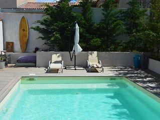 Villa spacieuse, calme, de construction recente avec piscine  et gazebo Balinais