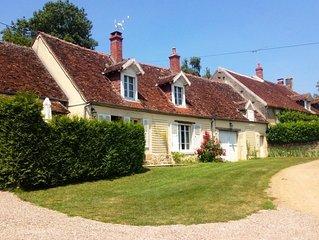 Adorable maison de campagne au coeur d'un hameau face à la vallée