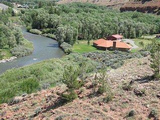 Yellowstone Luxury Villa on the Wind River, Main Level - Family/Pets OK