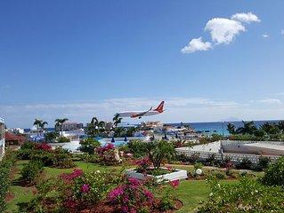 Spacious One Bedroom Condo with great views over Maho Beach, Sint Maarten