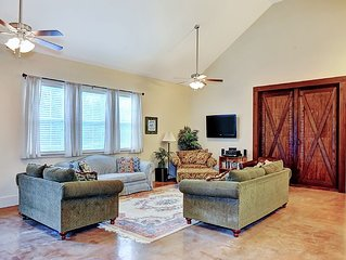 Lake Texoma Family Getaway, GREAT for large groups and kids. 'Wonderful Escape!'