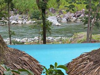 Cangrejal River Lodge in Pico Bonito, on Rio Cangrejal, Pool