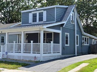 Comfortable /Updated,  'Cape' walking distance to the beach!  Pet Friendly!