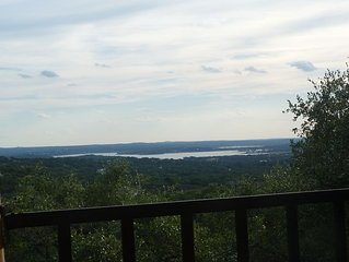 Hill Country & Lake View = Stressfree Stay