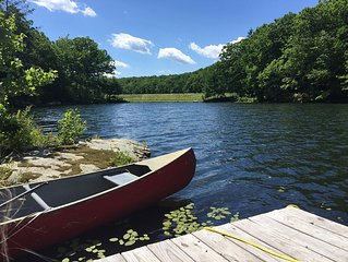 FAMILY FRIENDLY PRIVATE LAKE only 5 Min from Lake Wallenpaupack! Beautiful views