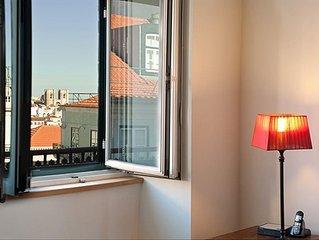 Beautiful Balcony View Over Historic Lisbon - Chiado