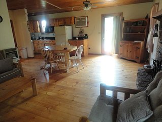 Ozark seclusion with a fully loaded cozy cabin, trails,creeks, springs ,oh my!!!