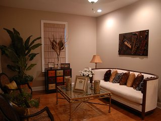 Luxury Contemporary 4Bdrm Home (Heart Of Uptown Blocks From Magazine Shopping)