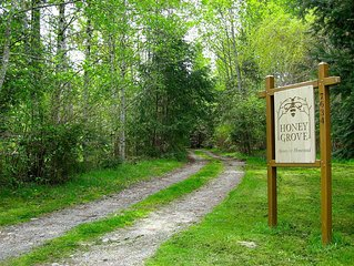 Honey Grove Homestead and Apiary ~ a Charming Country Hideaway.