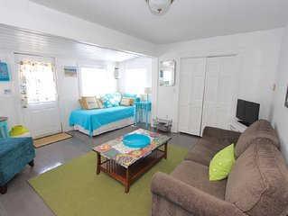 Completely Renovated Beach Cottage - 1 Block From Beach