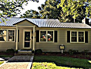 Newly renovated cottage home, walking distance of Historic Downtown Georgetown!