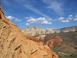 Borders Red Cliffs National Conservation Area And Snow Canyon State Park