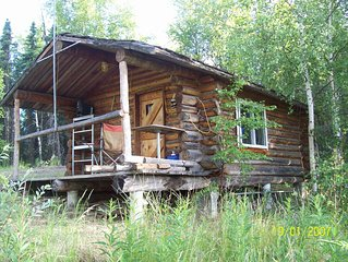 Cozy private  cabin on a ridge between two small Lakes in Wasilla Alaska.