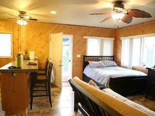 Perfect, Conveniently Located, Comfortable Studio For Your Island Adventure!!