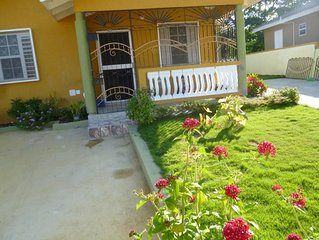 BEAUTIFUL FAMILY-FRIENDLY VACATION RENTAL IN AMAZING LOCATION!