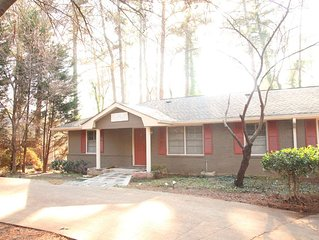 Charming Cottage In Brookhaven
