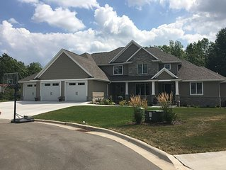 6 Bedroom luxury home in Green Bay for LSU/Badgers game ~  Don't miss out!