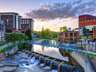 Downtown Greenville Historic District Vacation/Corporate Condo!