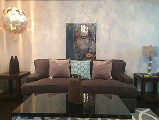 Luxury Condo ,new Wood Floor , New Everything