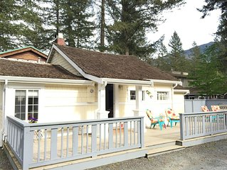 Cultus Lake - Sweet cottage steps from the beach-two bedroom with a den and loft