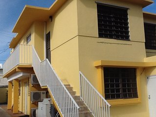 BEST RATE ,CLEAN & MODERN,PARKING,CENTRIC,FIVE MINUTE WALK TO THE BEACH
