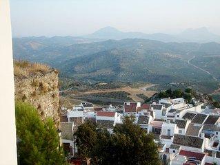 Casa Resolana, Olvera - white village house, stunning views, comfort, tradition