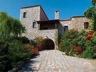 Elise Cottage,  Your Earthly  Paradise