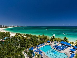 A Slice of Paradise...BEACHFRONT, too! FREE in Room WI-FI & BRAND NEW POOL!