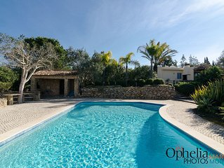 Luxury Villa Near Golf Resorts/beaches/tennis,private pool, Garden -4 Bedrooms