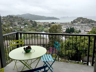 Stunning SF Views From Cozy 1-Bedroom Pied-A-Terre