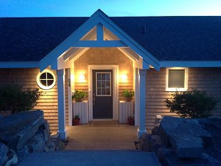 Luxury Seaside Retreat, Executive Home, you will love it!!