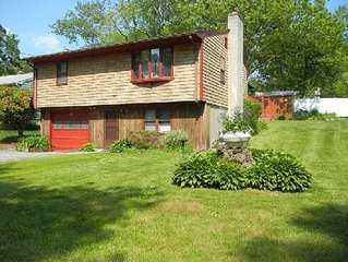 Charming Narragansett Home 3 Blocks from Narrow River Beach w/ Central Air!