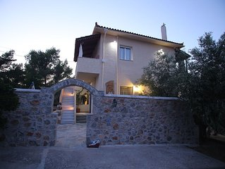 Guest house with view, like family,-friendly pet,quality Greek Breakfast,clean.