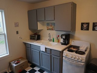 Rehabbed Charlevoix 1 Bedroom in a Great Location
