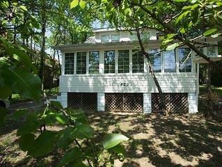 Cozy Beach Cottage: Newly Remodeled and Family Friendly!