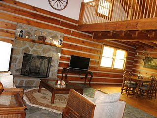 Cabin Nestled On Beautiful 12 Acres~Minutes From Downtown Hot Springs And At!