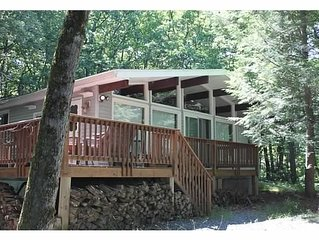 Beautiful & Cozy Modern Home in the Country Jim Thorpe and Lake Harmony Vicinity