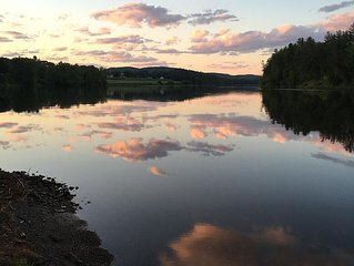 A peaceful Vermont waterfront experience providing amazing all-season views