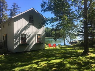 Cove Cottage: Quietly Nestled Between The Pines Of Tranquil Seavey Cove