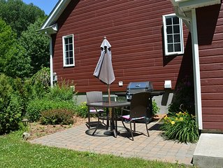 Gorgeous Lakefront 1 Bedroom Country House appartement Near Montreal