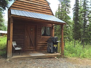 Alpine Heather is a quiet, self contained, cabin in the Woods!