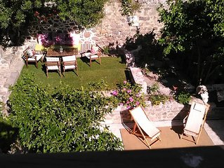 Private Villa est.1750!Spacious and very quiet, for families, groups, workshops.