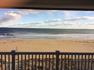 Oceanfront condo!!!!  Steps to 7 mile beach, steps to downtown Old Orchard Beach